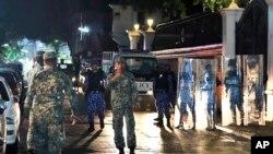 馬爾代夫軍人在首都馬累主要街頭巡邏 (2018年2月5日)