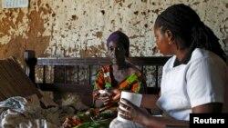 Umurwayi wa malariya mu Gatumba, Burundi, 19/04/2013.