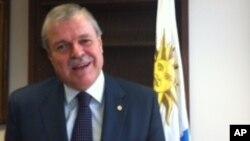 Carlos Pita, embajador de Uruguay en Washington sostuvo que legalizar la producción de marihuana no interfería en la colaboración con EE.UU.