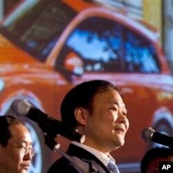 2010年3月30日吉利公司董事长李书福在北京的一次记者会上