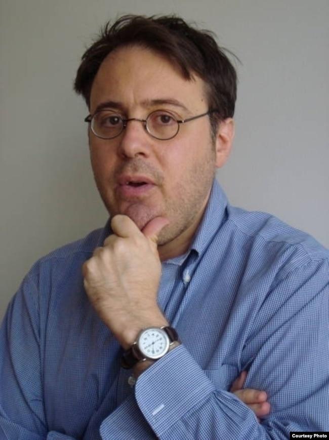 律師兼作家亞當·科恩