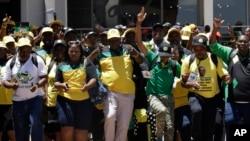 Delegados chegam à conferência electiva do ANC em Joanesburgo, África do Sul, Dez.16, 2017.