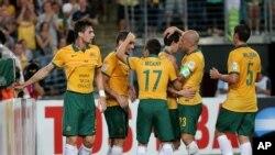 تیم آسترالیا پس از پیروزی در برابر چین