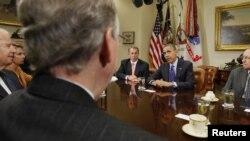 奥巴马总统在白宫主持与国会两党领袖的会谈