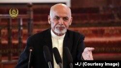 آقای غنی گفت که تصمیم تمدید حضور قوای امریکایی در افغانستان در مشورت با وی صورت گرفته است.
