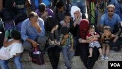 مهاجرین در حالت انتظار عبور بکشور های اروپایی