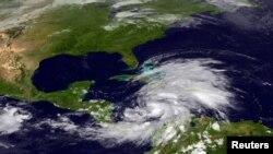 Imagen de la Nasa de la tormenta tropical 'Sandy' que azota el Caribe.