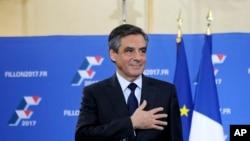 法国前总理菲永在赢得保守派总统初选后,发表讲话(2016年11月27日)