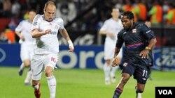 El equipo teutón no tuvo problemas para dejar en el camino al Lyon de Francia con un marcador global de 4-0.