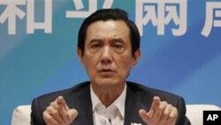 기자 간담회에서 중국과 평화 조약 추진 의사를 밝힌 마잉주 총통