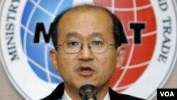 Utusan Nuklir Korea Selatan, Lim Sung-nam, ke Moskow untuk pembicaraan dengan utusan Rusia, Alexei Borodavkin.