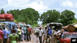 Guiné-Bissau admite dar asilo a Kadhafi