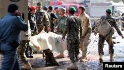 طالبان بر پایگاه سربازان اردو در ولسوالی میوند یورش بردند