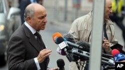 오스트리아 빈에서 이란과 주요 6개국의 막바지 핵 협상이 재개된 가운데, 로랑 파비우스 프랑스 외무장관이 27일 기자들의 질문에 답하고 있다.