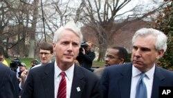 عکس آرشیوی از ریک وادل معاون مشاور امنیت ملی کاخ سفید (سمت چپ)