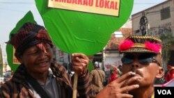 Aksi petani tembakau dalam Hari Anti-Tembakau Sedunia (31/5) di Yogyakarta. (VOA/Nurhadi Sucahyo)
