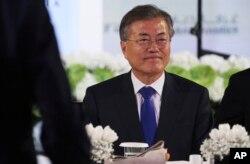 Južnokorejski predsjednik Moon Jae-in prisustvuje ručku u Dubaiu, Ujedinjeni Arapski Emirati, 27. marta 2018.