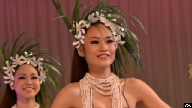 Only about one third of those auditioning to join the hula troupe annually are accepted, October 25, 2012. (Steve Herman/VOA)