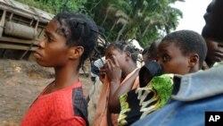 Un groupe de jeunes à Kananga, Kasaï occidental, 4 août 2007.
