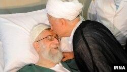 عیادت اکبر هاشمی رفسنجانی از سید علی خامنهای در بیمارستان - شهریور ۱۳۹۳