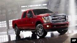 Salah satu tren ekonomi 2013 yang diperkirakan oleh lembaga kajian Polk adalah naiknya penjualan truck pickup. Tingkat permintaan rendah selama lima tahun karena ekonomi yang lesu, akan terdongkrak tahun 2013 karena model yang dirancang ulang oleh GM, Toyota, dan Ford (foto: Dok).