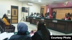 Sidang di PN Balikpapan menghadirkan terdakwa kasus makar Papua. (Foto: PAHAM Papua)