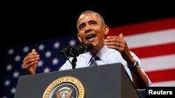 رئيس جمهوری ايالات متحده، باراک اوباما، در خلال بازديد از آستين (تگزاس) درباره اقتصاد سخنرانی کرد – ۱۹ نيرماه (۱۰ ژوئيه)
