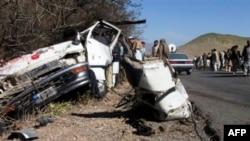 У Пакистані вибух замінованого мікроавтобуса убив щонайменше 18 людей
