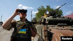 烏克蘭軍人在頓涅茨克地區巡邏