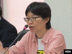 台湾人权促进会秘书长蔡季勋 (美国之音张永泰拍摄)