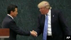 El presidente de México, Enrique Peña Nieto, recibió al entonces candidato presidencial republicano Donald Trump el 31 de agosto de 2016, en la residencia oficial de Los Pinos, en ciudad de México.