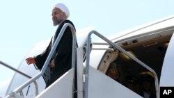 خبرگزاری رویترز میگوید که این سفر به دلایل امنیتی لغو شده است.