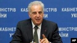 Utusan Khusus untuk HIV/AIDS di Eropa Timur dan Asia Tengah, Michel Kazatchkine berbicara di Kyiv, Ukraina (foto: dok).