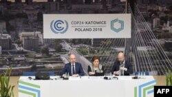 Conférence de presse à la COP24, le 2 décembre 2018 à Katowice, en Pologne. (Photo de Janek SKARZYNSKI / AFP)