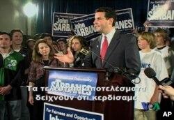 Ο Γιάννης Σαρμπάνης την βραδιά της εκλογικής του νίκης
