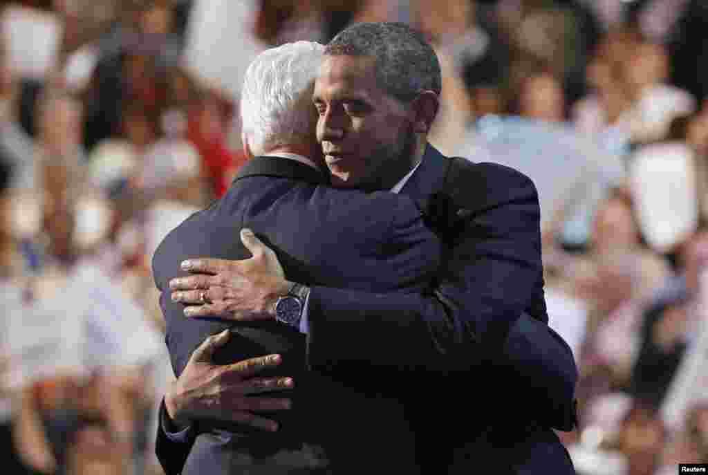 Prezident Barak Obama sobiq prezident Bill Klinton bilan