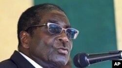 津巴布韦总统穆加贝(2012年2月16号资料照)
