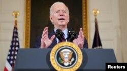 Le président américain Joe Biden lors d'un discours à la Maison Blanche à Washington, le 5 février 2021. (Reuters/Kevin Lamarque)