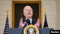ປະທານາທິບໍດີ Joe Biden ກ່າວຄໍາປາໄສຢູ່ທີ່ທໍານຽບຂາວໃນວັນທີ 5 ກຸມພາ, 2021 (ພາບຖ່າຍໂດຍ REUTERS/Kevin Lamarque)