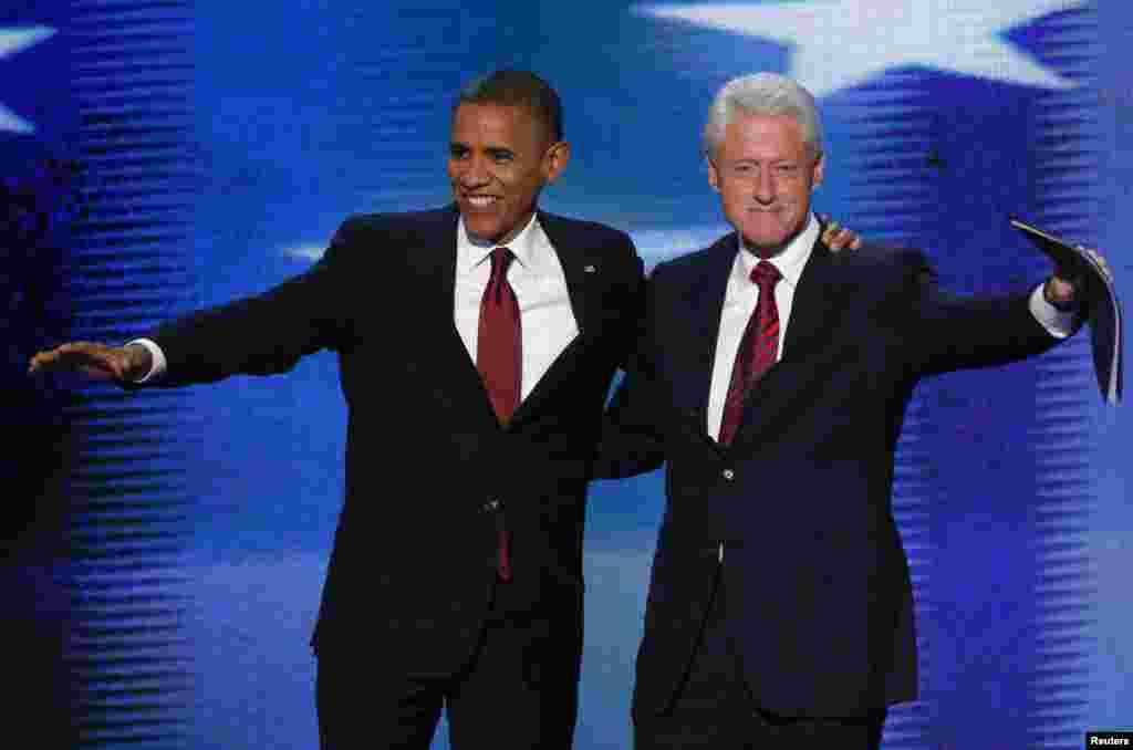 Le président Obama s'est joint à l'ancien président Clinton qui venait de proposer sa nomination