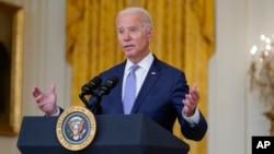 Popularitas Presiden AS Joe Biden terpuruk akibat krisis politik pasca penarikan pasukan AS di Afghanistan (foto: dok).