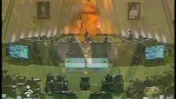 نود امضا برای سوال احضار دوباره احمدی نژاد به مجلس
