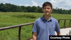 宾夕法尼亚州天普大学物理系主任教授、中国出生的郗小星