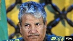 El líder de las fuerzas de oposición en Libia, Abdel Fattah Younes, criticó a la OTAN durante una conferencia de prensa en Bengasi.