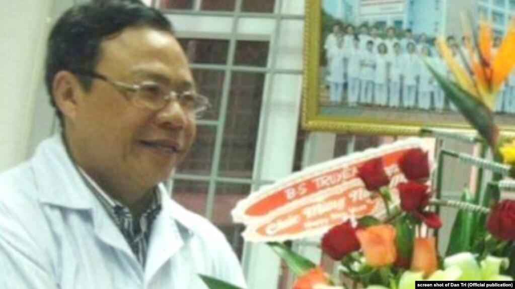 Nhà chức trách Thừa Thiên Huế xin lỗi, hủy phạt đối với bác sĩ Hoàng Công Truyện, 23/10/2017
