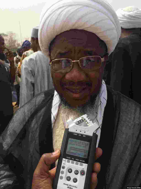 ABUJA: Zanga Zanga 'yan Shi'a a Abuja.  Sheikh Adamu tsohon jagoran 'yan shi'an Jos na jihar Filato, Disemba 13, 2017
