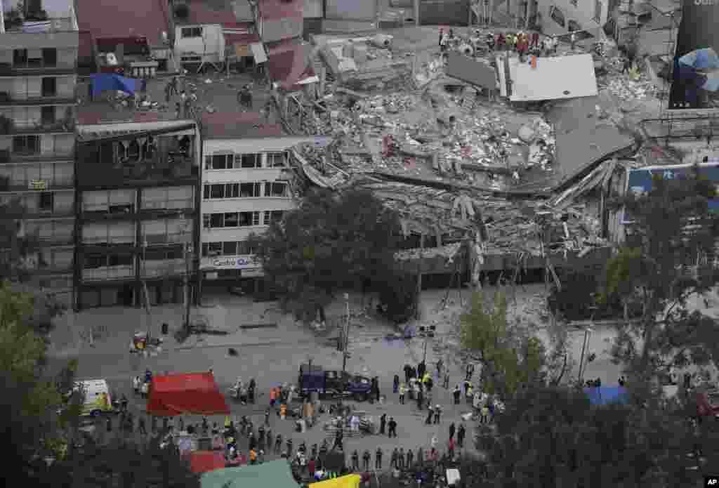 دارالحکومت کے میئر میگوئل اینجل مانسیرا کے مطابق شہر کے 44 مقامات پر عمارتیں منہدم ہوئی ہیں