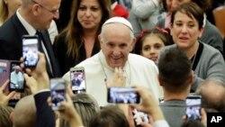 Paus Fransiskus di Aula Paus Paulus VI di Vatikan, Roma, 21 Desember 2018.