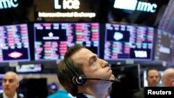 新冠病毒疫情蔓延全球引起的恐慌導致美國股市2月27日連續暴跌至第4天。