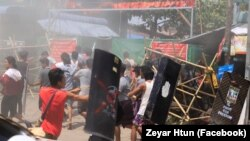 ေျမာက္ဥကၠလာ ကန္သာယာအနီး ဆႏၵျပပဲြ ျမင္ကြင္း။ (ဓာတ္ပံု - Zeyar Htun - မတ္ ၁၀၊ ၂၀၂၁)